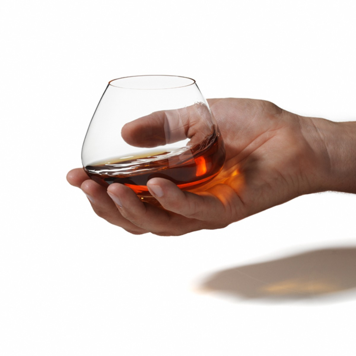 0u-00001862-cognac-glass-3_display1200