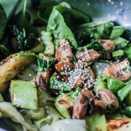 Теплый салат «Вегетарианский»