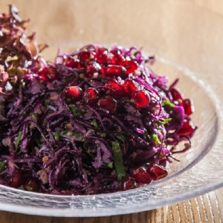 Грузинский салат из красной капусты