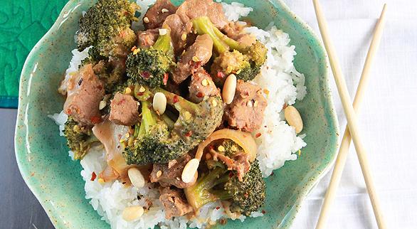 2012-12-13-beef-broccoli-586x322