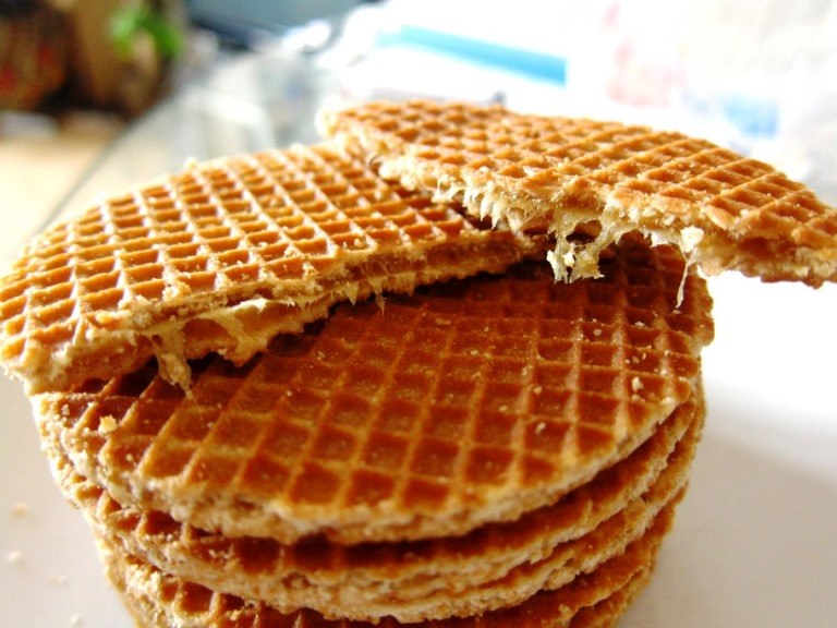 20140414155559-stroopwafel-syrup-caramel-waffle