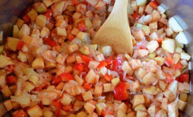 Быстрая баклажановая икра с яблоками - рецепт пошаговый с фото
