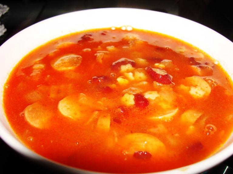 Итальянский суп с сосисками.