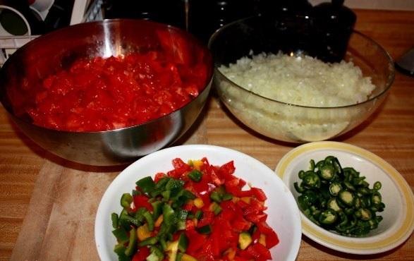 kak-prigotovit-lecho-iz-perzev-i-pomidor-na-zimu-foto-rezept1