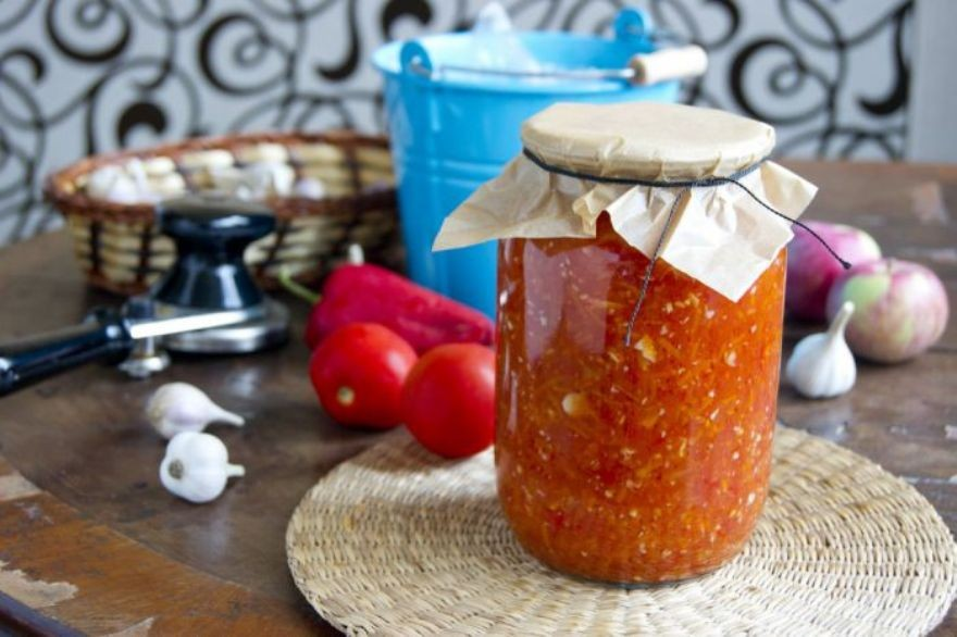 Аджика на зиму лучший рецепт с яблоками