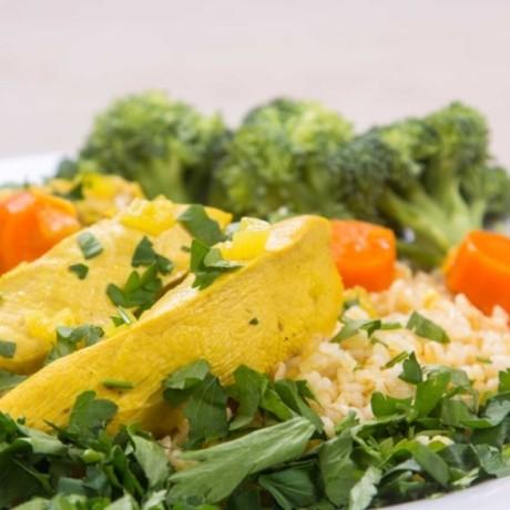 Курица с овощами и соусом карри