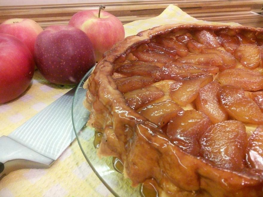 Пирог с яблоками рецепт с фото пошагово в духовке дрожжевое тесто