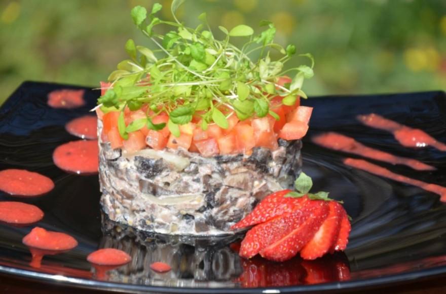 «Любимый» салат  с грибами и  говяжьим языком