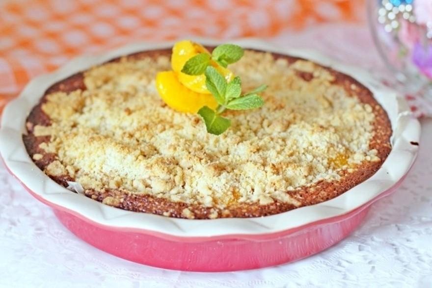 Насыпной персиковый пирог