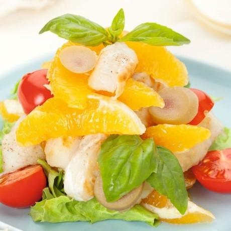 Салат с рыбой и апельсином