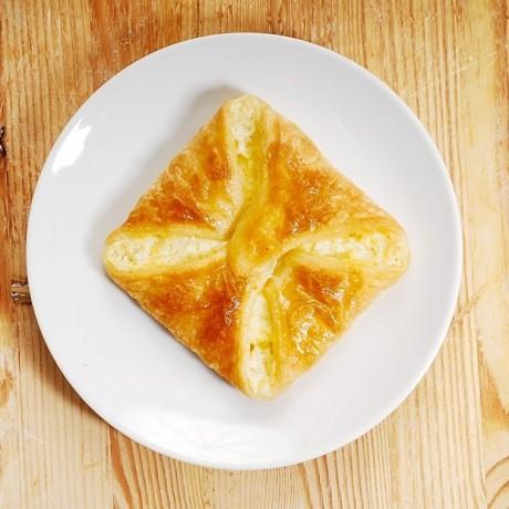 Пеновани — хачапури с сыром по Грузински