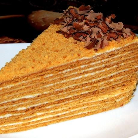 Торт «Медовик» — ароматный десерт для уютного чаепития