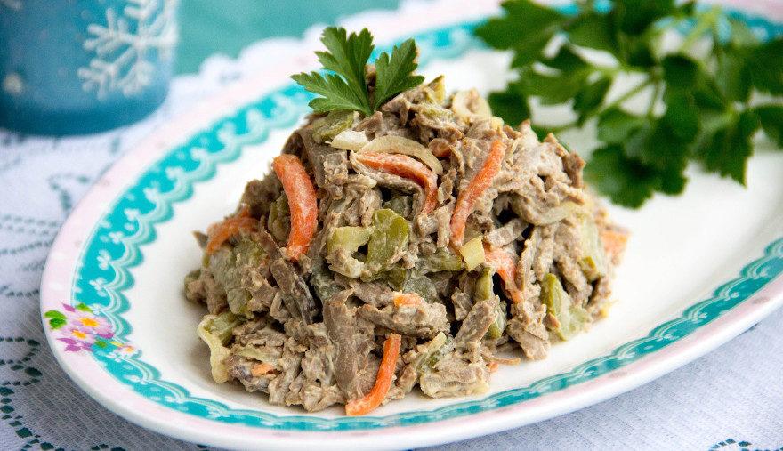 Печень говяжьяы салат