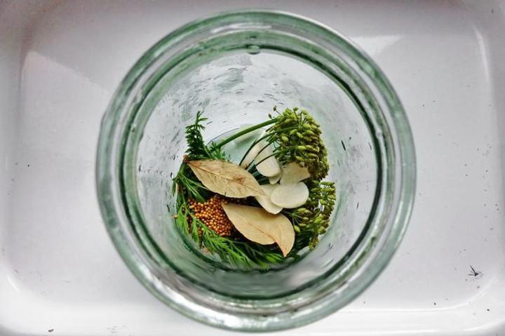 Рецепт маринованных огурцов шаг1